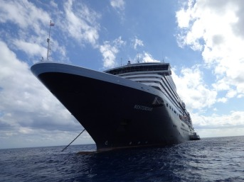 cruise-ship-anchored