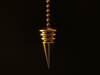 pendulum-626623_640